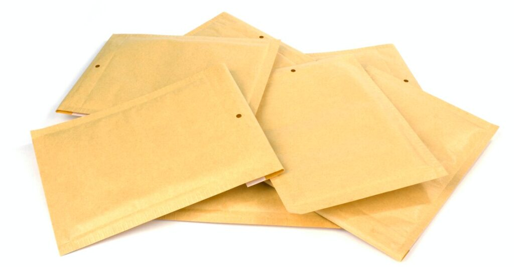 Does Envelope Size Affect Response Rates?